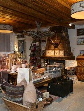 INGRESSO NEGOZIO VIAROMA Decoration chalet Stile chalet Chalet style  Chalet furnishing