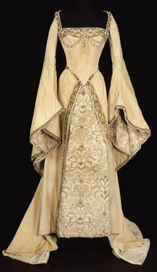 medieval dress ivory wedding, just because I like the picture ---- penny wedding