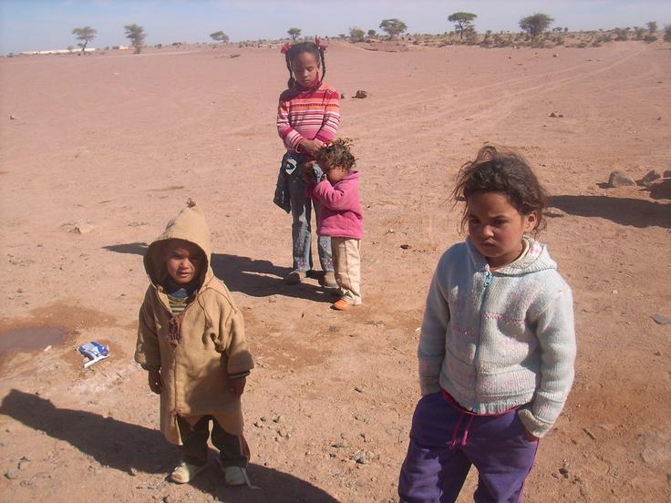 Niños en el desierto