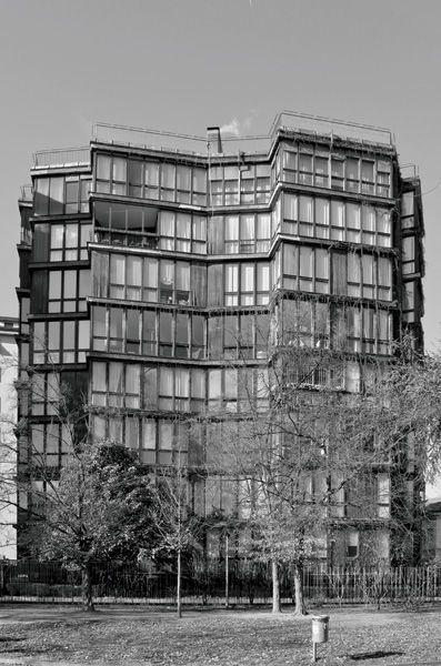 Edificio per abitazioni, Angelo Mangiarotti e Bruno Morassutti, 1959-1960, via Quadronno 24, Milano (Foto di Stefano Suriano)