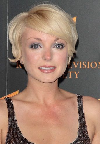 Helen George-Short Hairstyles for Fine Hair l www.sophisticatedallure.com