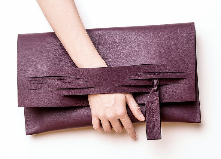 Linda Sieto / Soft Edge Part II./ FW16/17 - Burgundy Slashed Clutch