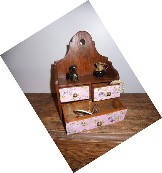 Boite à bijoux en bois à poser à accrocher