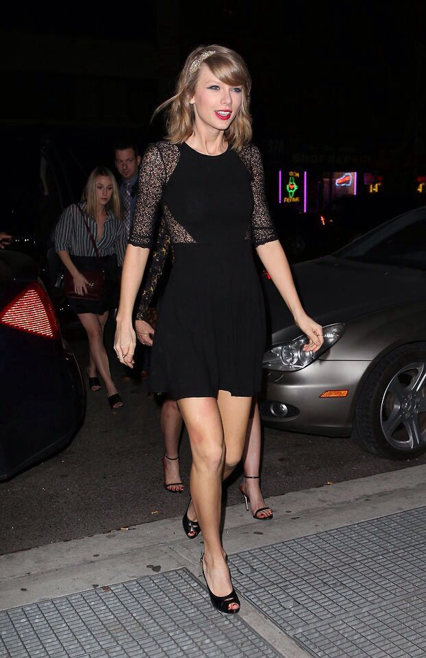 Lady in Lace from Taylor Swift's Street Style