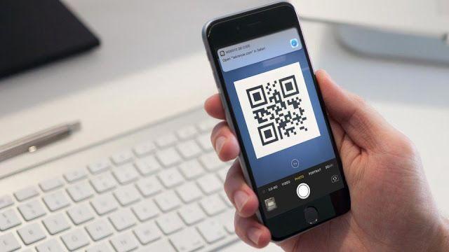 طريقة مسح Qr Code على الآيفون إذا كنت موجودا داخل مقهى محلي مثلا وتريد قراءة قائمة الطلبات ستجد في الغالب كود Tech Hacks Customer Complaints Blackberry Phone