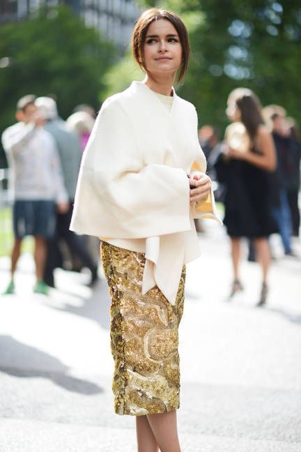 Miroslava Duma at London's Fashion week.  I am seeing lots of shawls, split ponchos and ponchos this year.  i hope Montana is ready for them.  Cuz I'm bringing them!