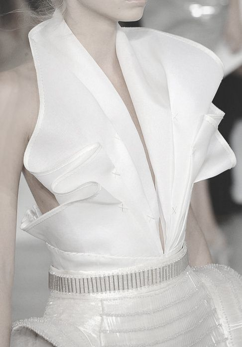 Pleated White Backless-Blouse