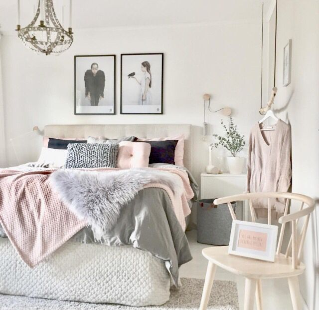 If you're girly, like me this is the perfect bedroom inspo for you!!!