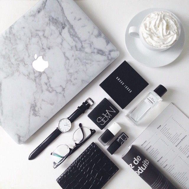 ✖️UNIQFIND✖️ How perfect is my Macbook looking? Completly in love with this marble sti... | Use Instagram online! Websta is the Best Instagram Web Viewer!