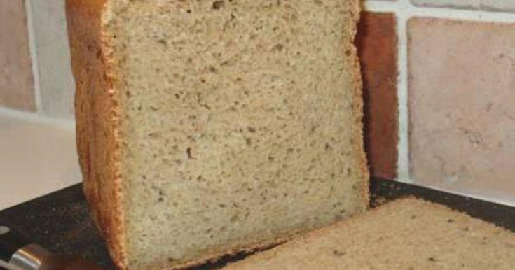 När jag började baka med vetesurdeg, hittade jag på följande recept till min bakmaskin (en Menuett, inköpt på JULA)