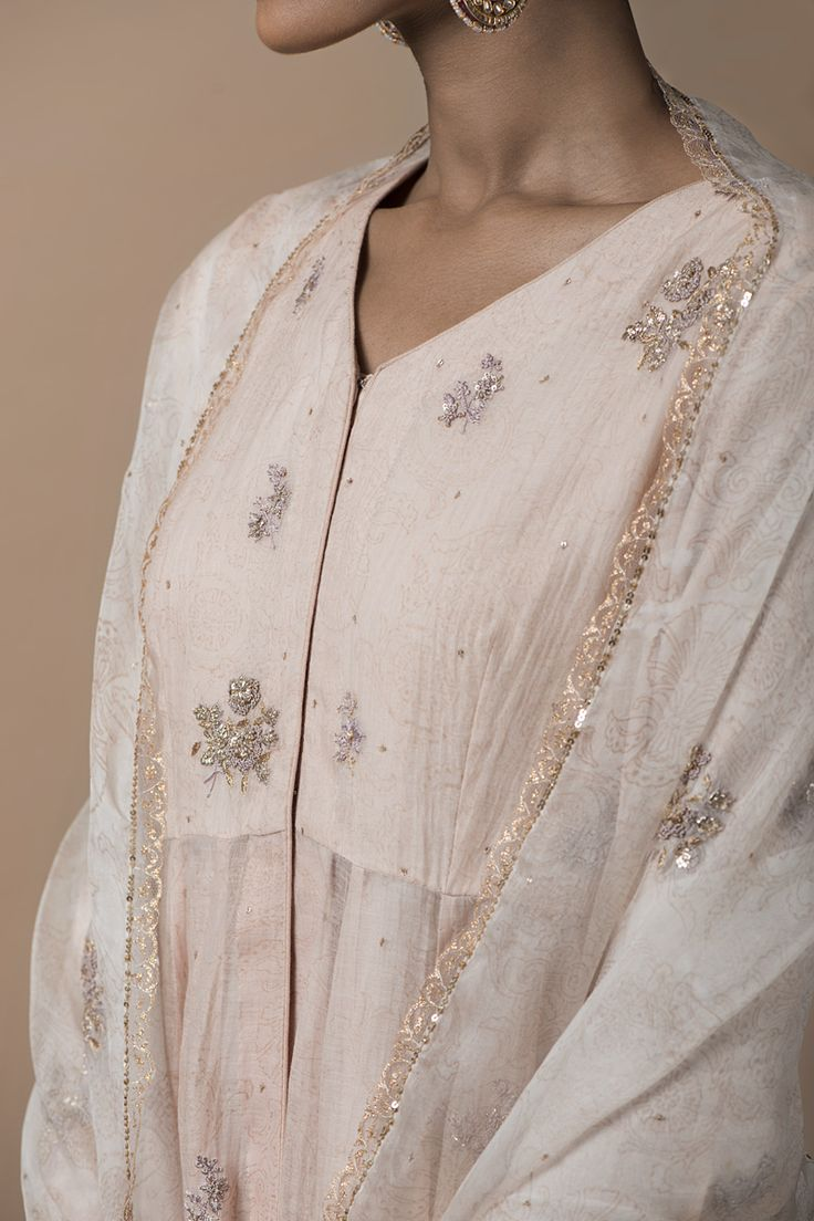 MEHRUNISSA This collection of festive wear features intricate zardozi, dabka and dori embroidery on traditional ensembles.