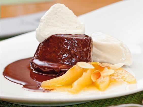 Mohr im Hemd http://www.fuersie.de/kochen/rezeptideen/artikel/rezept-fuer-dessert-mohr-im-hemd