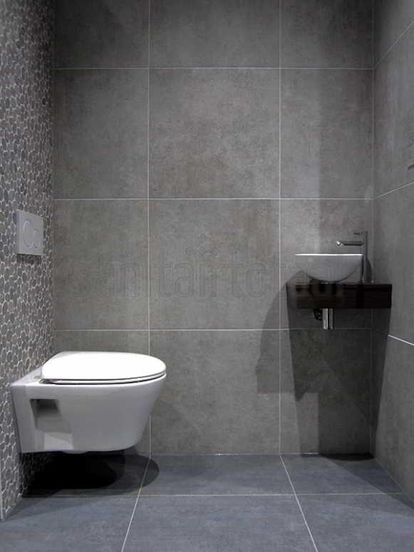 Betonlook badkamer, beton vloer, betonlook tegels, hout, wit, betonlook ideeën, betonlook mozaiek, kiezels grijs