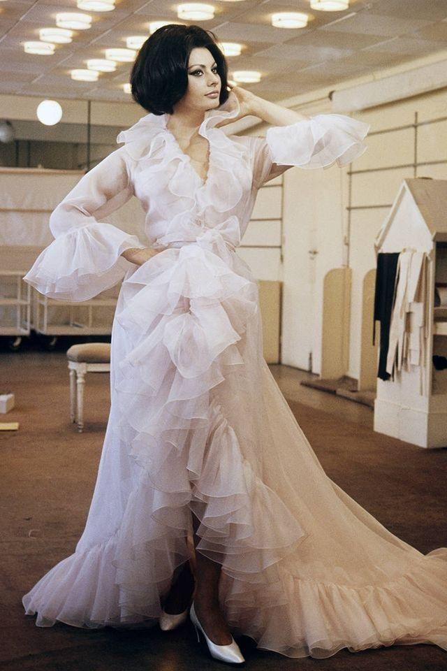 """sixtiescircus: """"""""Sophia Loren in 'Arabesque' (1966) """" """""""