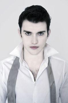 easy vampire makeup men