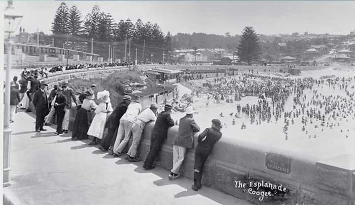 The Esplanade in Coogee in Sydney in 1904.Photo from the Daily Telegraph.A♥W