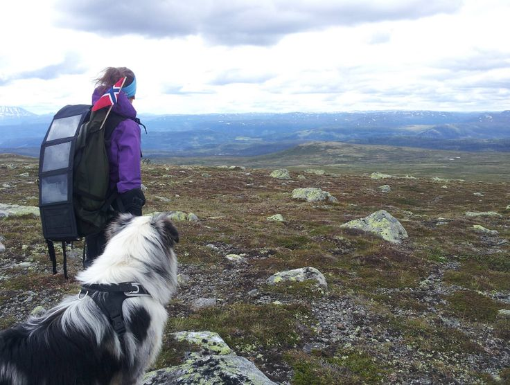 Doffen and Ine at Skirveggin, Buskerud, Norway — at Skirvedalen #lifemate