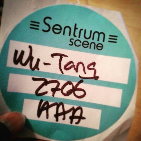 Backstage pass to see Wu-Tang!! Felt like a groupie!!! So not me xD