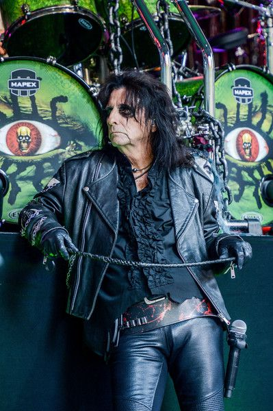 "Alice Cooper Photos Photos - Alice Cooper performs during ""FOX & Friends"" All American Concert Series outside of FOX Studios on August 14, 2015 in New York City. - 'FOX & Friends' All American Concert Series - Alice Cooper"