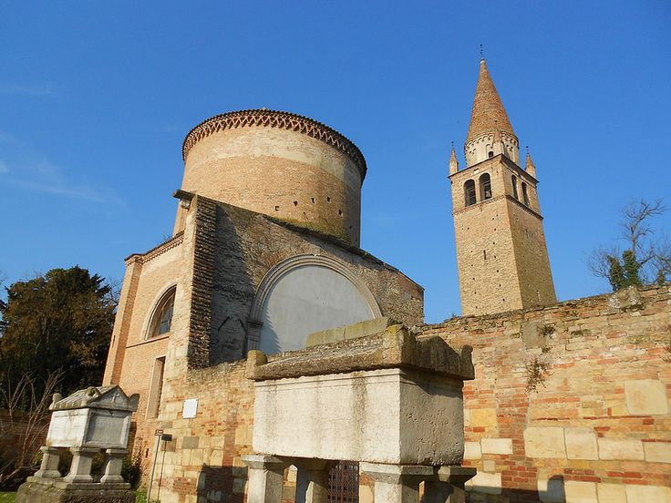 due sarcofaghi, Abbazia della Vangadizza, Badia Polesine