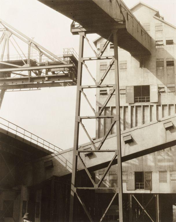 Pulverizer Building, Coke Ovens - River Rouge Plant, Detroit (1927). Charles Sheeler