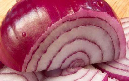 Cipolla: proprietà nutrizionali e benefiche - La cipolla ha importanti proprietà nutrizionali e benefiche: è un antisettico, un antibiotico naturale, aiuta la digestione, depura l'organismo e migliora la circolazione del sangue.