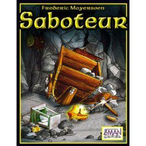 Saboteur: Geen eenvoudig spel om uit te leggen, maar het is een zeer spannend spel. Je daagt er de leerlingen mee uit om te bluffen of om te achterhalen wie de saboteur is. Ze leren om elkaar in vraag te stellen en om hun rol goed te vervullen. Het opnieuw spelen van het spel ligt erg hoog bij de kinderen.