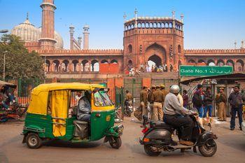 India, Delhi, Old Delhi, Traffic outside Jama Masjid