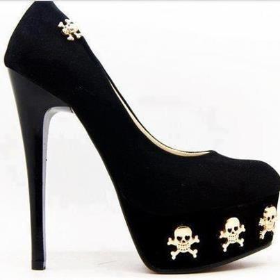 Black heels with skulls