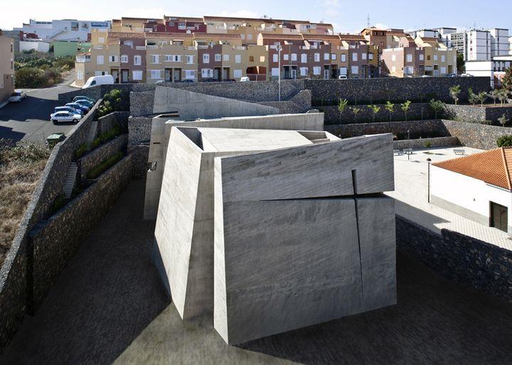 church-in-la-laguna-by-menis-arquitectos-01