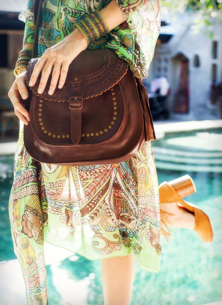 La Bonita is the versatile boho chic messenger bag. It's a perfect blend of tribal and boho styles for an inspired '70s look.