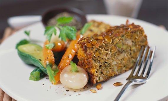 Polpettone di ceci vegan, la ricetta leggera per un pasto completo - LEITV