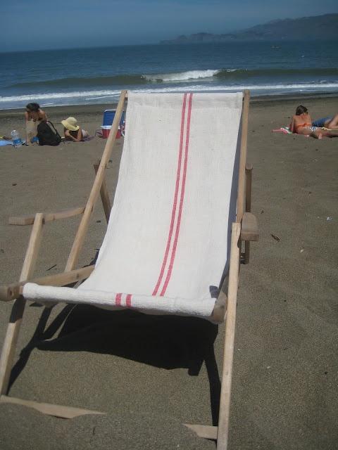 Summersoul: vintage  grain sack beach chairBeach Chairs, Vintage Grains, Yucky Fabrics, Beach Dreams, Sack Beach, Grain Sack, Grains Sack, Fabrics Crafts, Antiques Beach