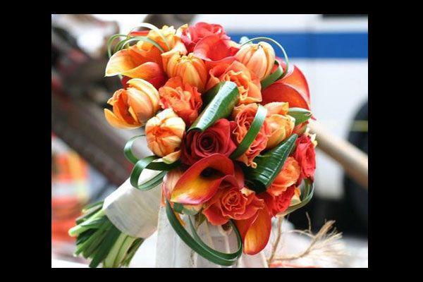 composizioni di fiori toni arancioni matrimonio - Google Search