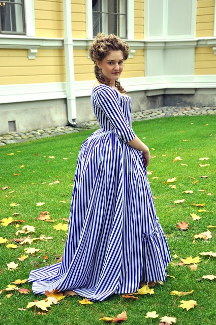 Rococo Atelier: 1780s striped robe à langlaise