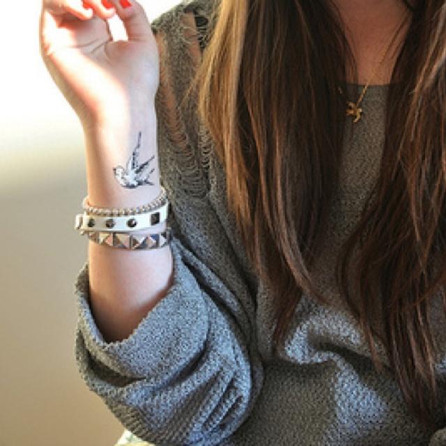 Cute tattoo!<3Tattoo Ideas, Wrist Tattoo, Birds Tattoo, First Tattoo, Grey Sweater, Inspiration Pictures, White Ink Tattoo, A Tattoo, Swallows Tattoo