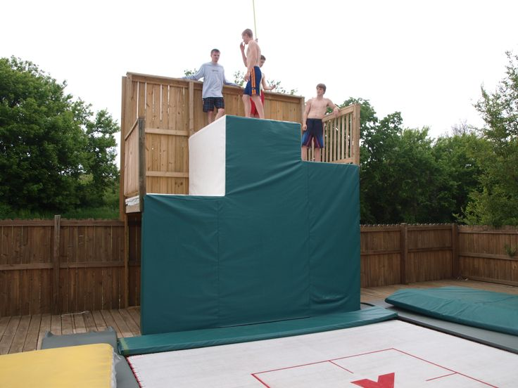 hanging out on the tramp wall with Canadian bouncer Greg Roe maxairtrampolines.com