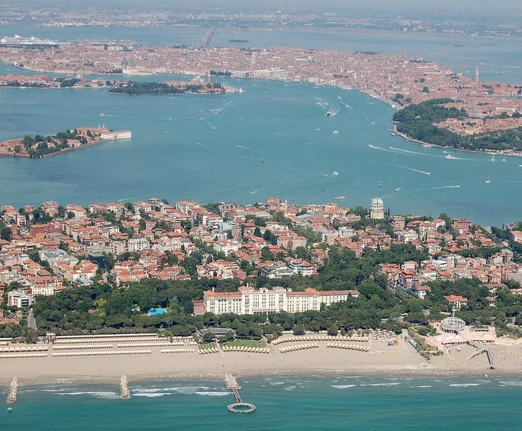 Lido di Venezia with Grand Hotel Des Bains in the foreground