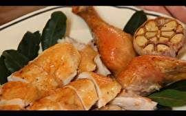 Rita Lobo ensina uma deliciosa receita de frango assado.