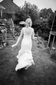 Running bride © simonorchard.com