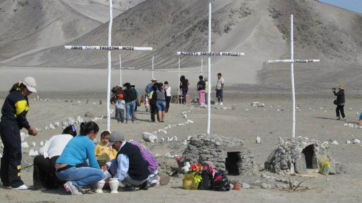 Primer año del hallazgo de los restos de los 9 campesinos de Santa asesinados y desaparecidos por el Grupo Colina. Nunca más!!
