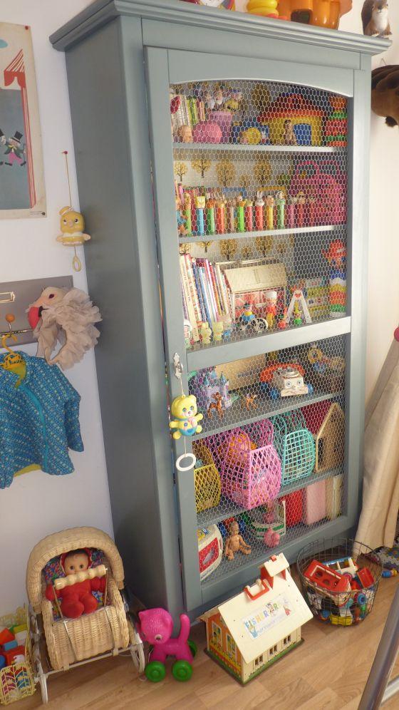 J'adore cette armoire pour la chambre de bébé ! Super idée, il n'y a plus qu'à chiner !
