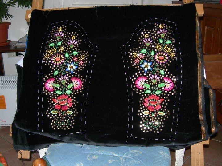 Corittu femminile costume tradizionale Bonorva. Particolare maniche