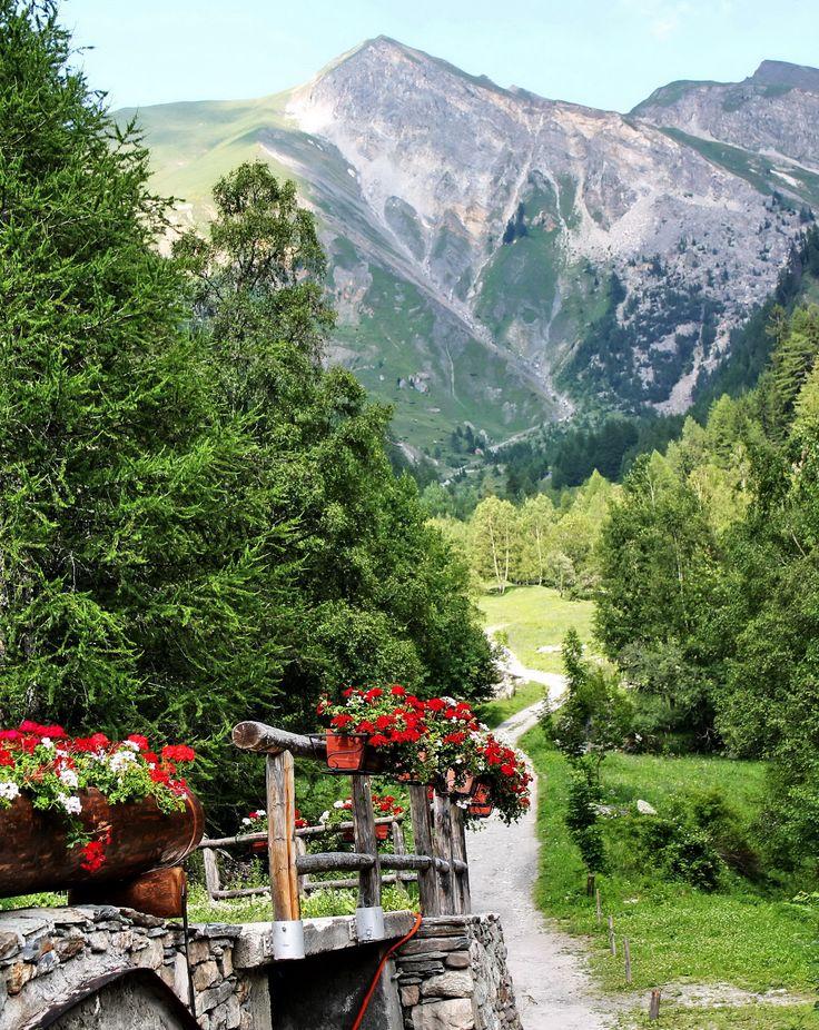 COURMAYEUR (Valle d'Aosta)– VAL SAPIN- Italy - by Guido Tosatto