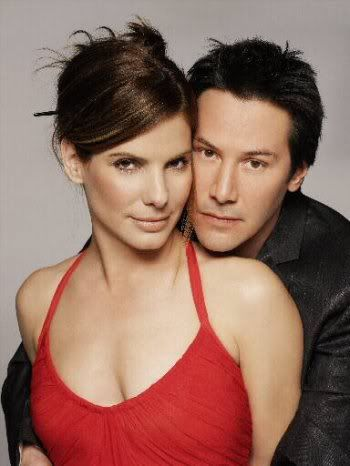 24 september 2012: Plaats en tijd. Foto: Keanu Reeves en Sandra Bullock als Jack Traven en Annie Porter in Speed en als Alex Wyler en Kate Foster in The Lake House  Deel 3 in Een paar apart, een serie waarin aparte paren acteurs de inspiratie zijn.