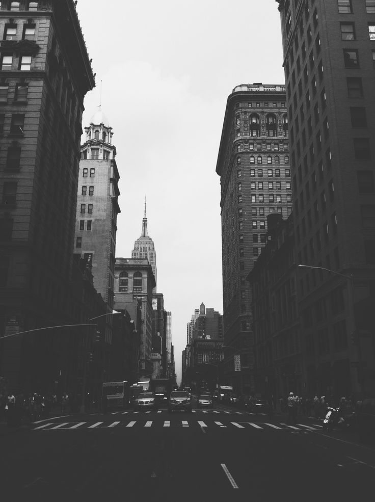 A Prettier Instagram Feed - Part 1 - Apps - The Makers Society black and white photo photography of the nyc New York City makes me happy happiness