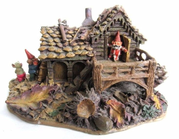 Gnome figurine, Rien Poortvliet Classic Gnomes Villages 'Gnome-house and mouse'