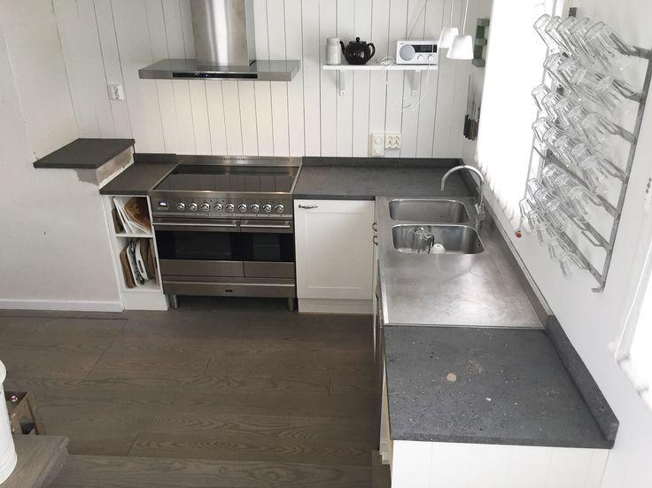 Levert av Lenngren Naturstein - Klassisk Kjøkken inspirasjon | Kalkstein Benkeplate - Classic Kitchen ideas | Design | Limestone | Countertop