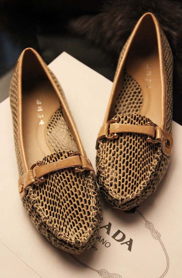 $17.13 2013 new European and American style pointed flat heels shoes - http://zzkko.com/book/shopping?note=906