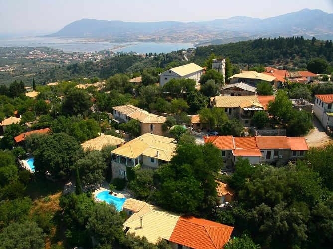 Pavezzo comprises a group of old renovated houses built on a hill slope at the edge of Katouna village on the beautiful Ionian island of Lefkas. http://lefkadarooms.com/pavezzo/